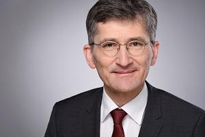 Experten im Bauprofessor-Gespräch: Dipl.-Ing. Ralf Ertl zur überarbeiteten DIN 18202 - Toleranzen im Hochbau- Bauprofessor-News -