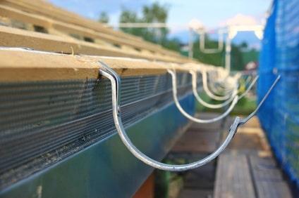 Rinnenhalter zur Montage einer Außendachrinne