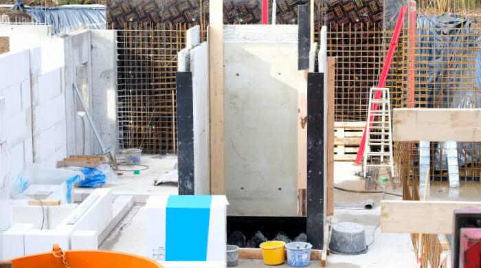 Kurzarbeit bedeutet im Baugewerbe leere Baustellen in der betriebsüblichen Arbeitszeit