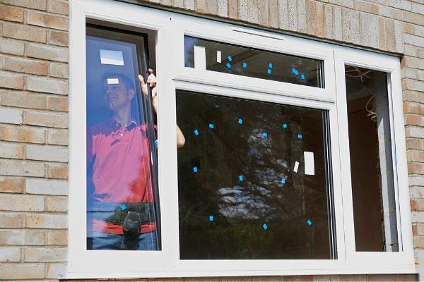 Verschiedene Fensterarten beim Hausbau