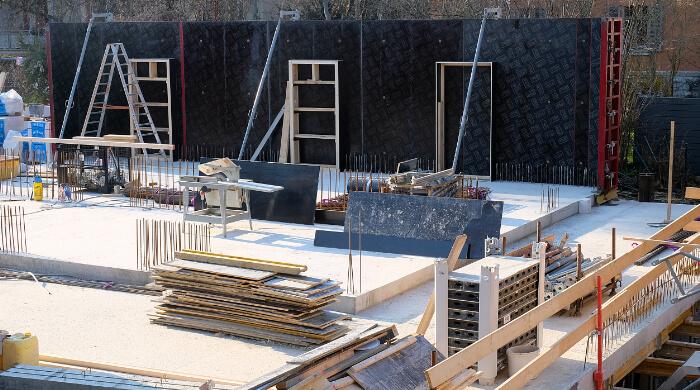 Baustelle eines Mehrfamilienhauses