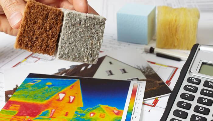 Baukosten für Untersuchungen entstehen u. a. bei der Untersuchung zum Gebäudebestand hinsichtlich des Dämmbedarfs.