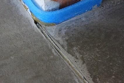 Schwimmender Estrich mit Randdämmstreifen und Dehnungsfuge