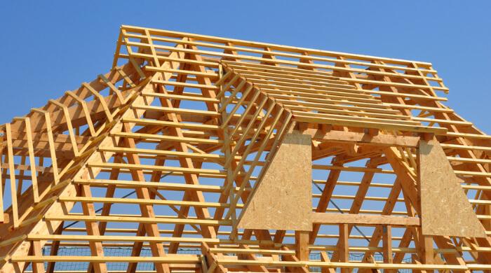 Dachkonstruktion aus Bauholz